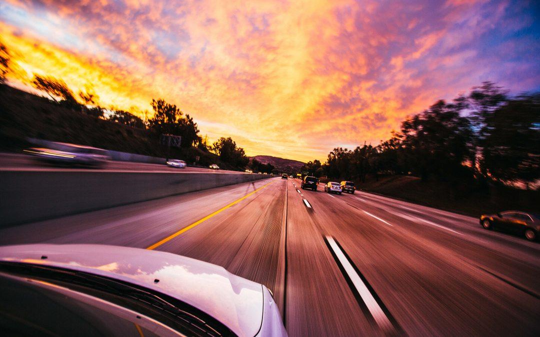 Een drinktempo van Tesla-rijders op de Autobahn